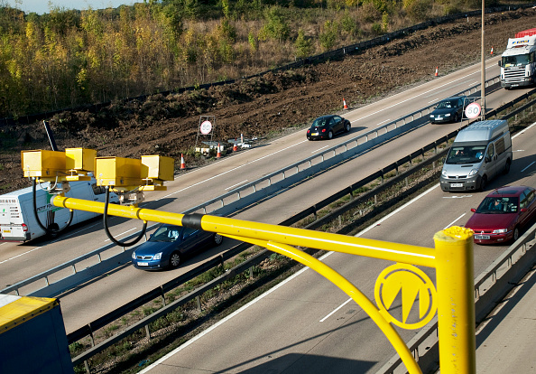 Speed「Average speed cameras used on roadworks during the M25 widening scheme near junction 28 of the motorway, Essex, UK」:写真・画像(15)[壁紙.com]