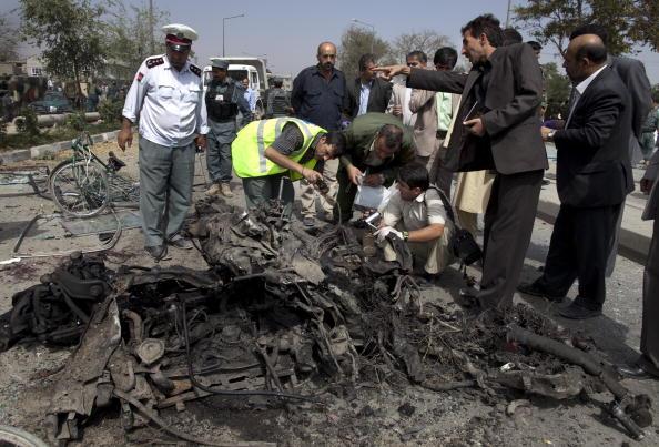Kabul「Massive Kabul Car Bomb Targets Italian Troops Killing Sixteen」:写真・画像(9)[壁紙.com]