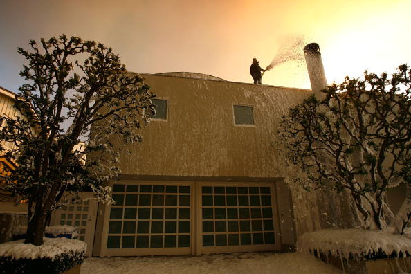 California State Route 1「Santa Ana Winds Stoke Wildfires In Southern California」:写真・画像(3)[壁紙.com]