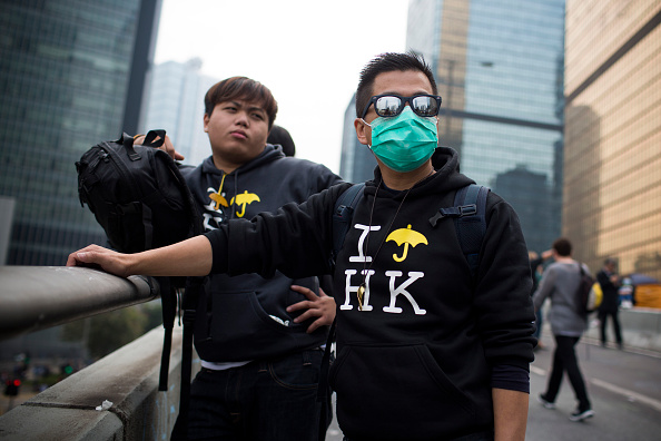 Brent Lewin「Authorities Move In To Clear Away Remaining Hong Kong Protest Sites」:写真・画像(3)[壁紙.com]