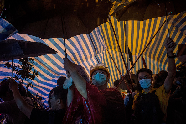Torrential Rain「Students Continue To Protest In Hong Kong Following Negotiation Talks」:写真・画像(7)[壁紙.com]