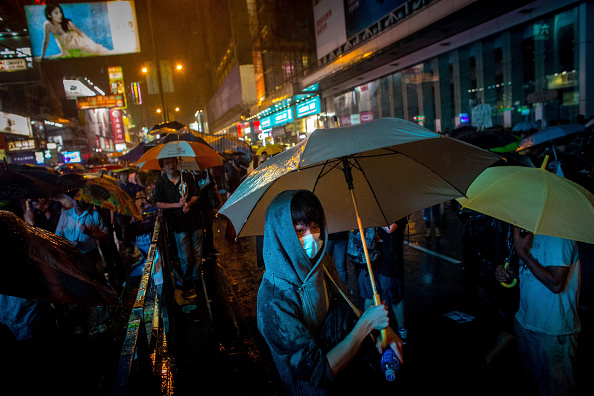Torrential Rain「Students Continue To Protest In Hong Kong Following Negotiation Talks」:写真・画像(8)[壁紙.com]