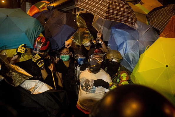 Occupy Central「Hong Kong Police Continue To Clear Protest Sites」:写真・画像(16)[壁紙.com]