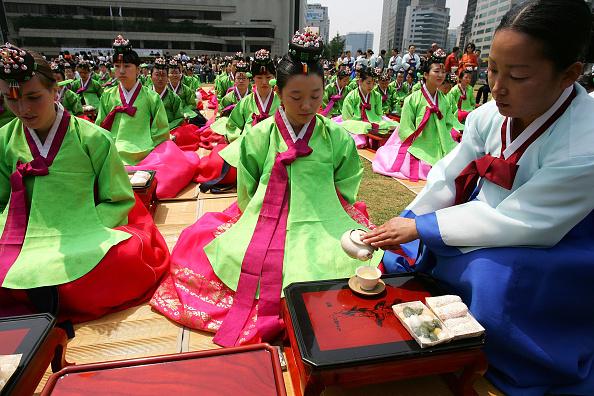 Chung Sung-Jun「South Korea Celebrates Confucian Coming Of Age Ceremony」:写真・画像(14)[壁紙.com]