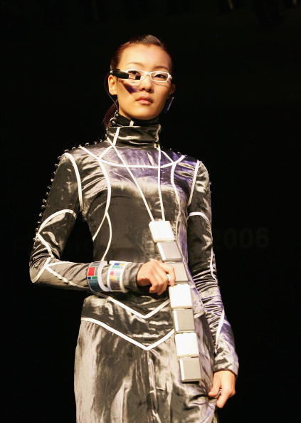 ウェアラブル端末「Ubiquitous Fashionable Computer Fashion Show Takes Place In Seoul」:写真・画像(4)[壁紙.com]