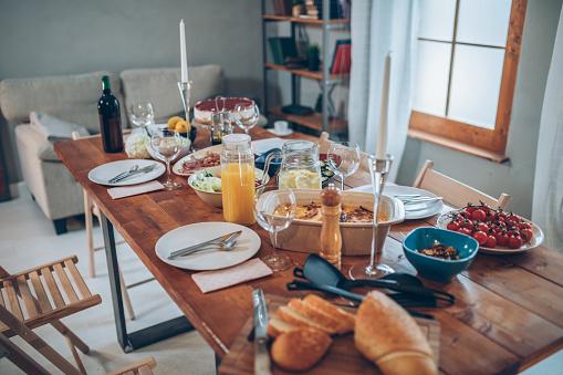 盛り付け「夕食は」:スマホ壁紙(1)