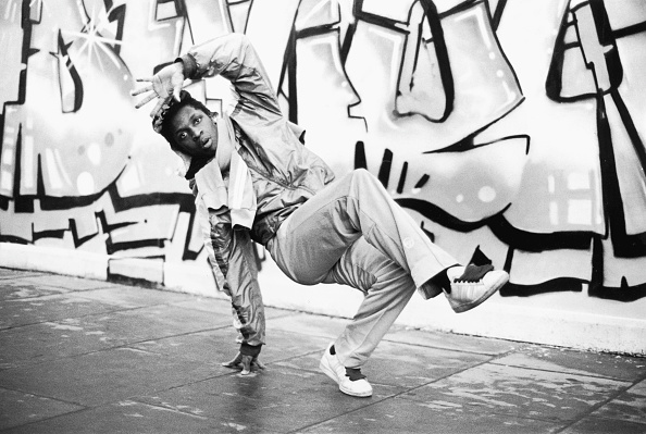 Black History in the UK「Breakdancing B-Boy」:写真・画像(19)[壁紙.com]