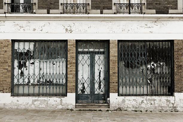 Abandoned and destroyed shop:スマホ壁紙(壁紙.com)
