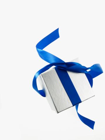プレゼント「Gift and blue ribbon」:スマホ壁紙(4)
