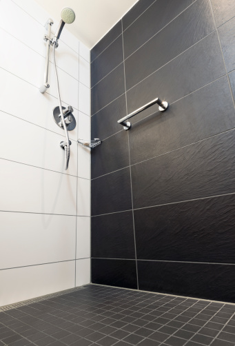 Enclosure「Shower Low Angle View」:スマホ壁紙(8)