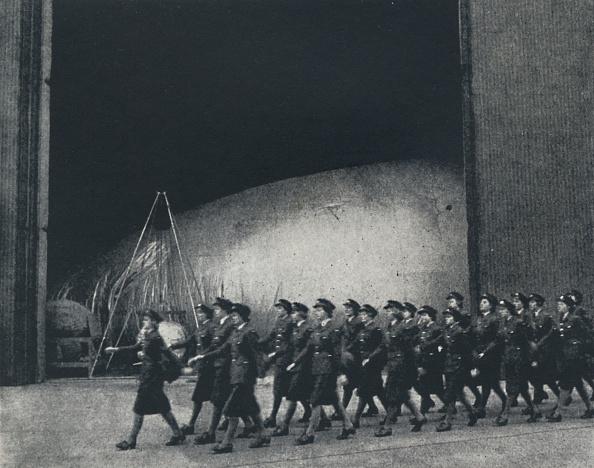 WAAF「March Past」:写真・画像(16)[壁紙.com]