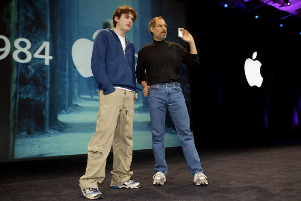 Public Speaker「MacWorld Conference Opens In San Francisco」:写真・画像(16)[壁紙.com]