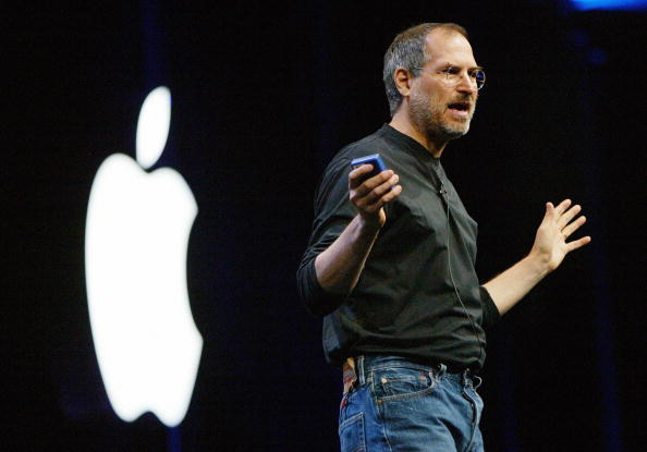 Steve Jobs「Apple CEO Jobs Delivers Keynote At Worldwide Developers Conference 」:写真・画像(4)[壁紙.com]