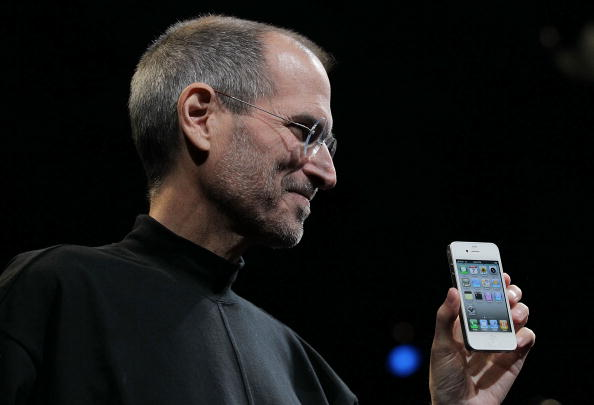 Steve Jobs「Apple Announces New iPhone At Developers Conference」:写真・画像(9)[壁紙.com]