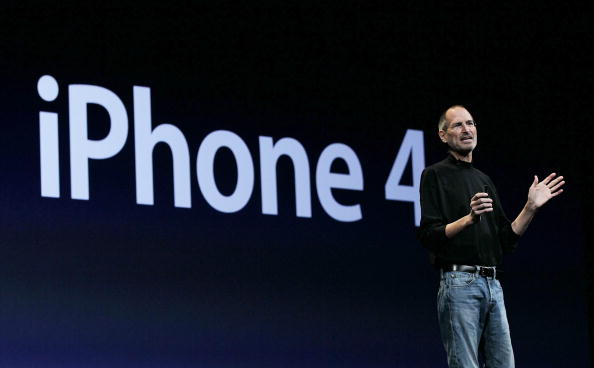 Public Speaker「Apple Announces New iPhone At Developers Conference」:写真・画像(17)[壁紙.com]