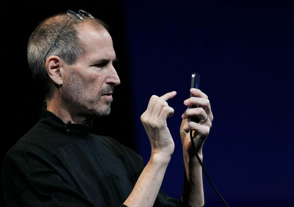 Wireless Technology「Apple Announces New iPhone At Developers Conference」:写真・画像(13)[壁紙.com]
