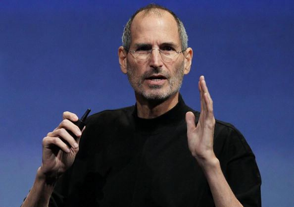 Steve Jobs「Apple Unveils New Software For iPhone And iPad」:写真・画像(1)[壁紙.com]