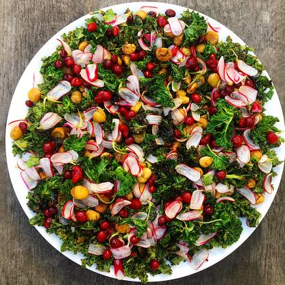 Radish「Kale salad with radish and pomegranate」:スマホ壁紙(16)