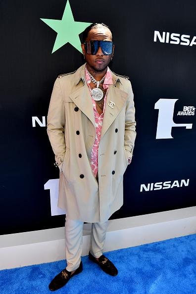 Fully Unbuttoned「BET Awards 2019 - Red Carpet」:写真・画像(10)[壁紙.com]