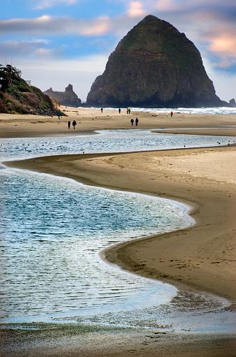 Cannon Beach「Beautiful Cannon Beach Coastline」:スマホ壁紙(3)