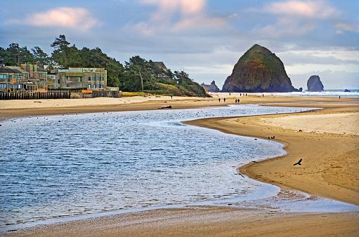 Cannon Beach「Beautiful Cannon Beach Coastline」:スマホ壁紙(6)