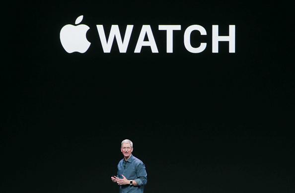 Apple Watch「Apple Unveils iPhone 6」:写真・画像(9)[壁紙.com]