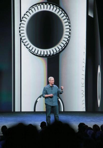 Apple Watch「Apple Unveils iPhone 6」:写真・画像(6)[壁紙.com]