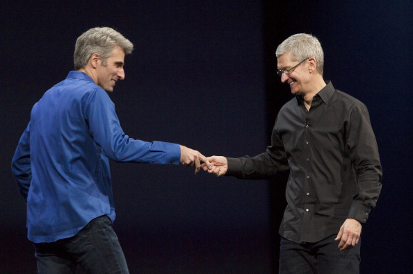 Tim Cook - Business Executive「Apple Hosts Annual Worldwide Developers Conference」:写真・画像(19)[壁紙.com]
