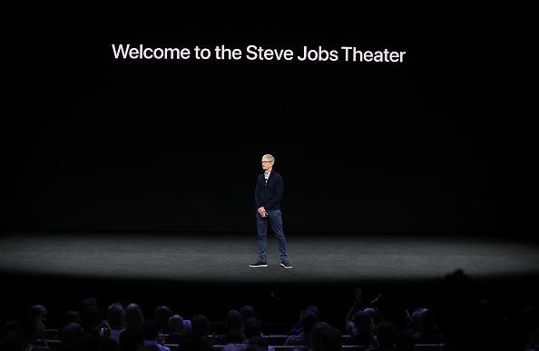 クパチーノ「Apple Holds Product Launch Event At New Campus In Cupertino」:写真・画像(18)[壁紙.com]