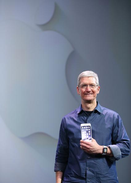 Apple Watch「Apple Unveils iPhone 6」:写真・画像(4)[壁紙.com]
