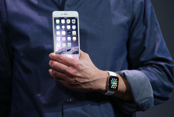 Apple Watch「Apple Unveils iPhone 6」:写真・画像(11)[壁紙.com]