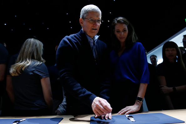 Apple Watch「Apple Debuts New Watch」:写真・画像(3)[壁紙.com]