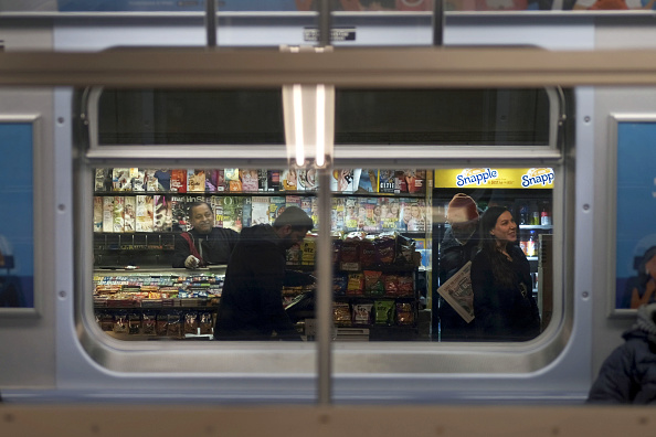 Subway「MTA Plans To Replace Newsstands With Vending Machines In New York City Subway Stations」:写真・画像(16)[壁紙.com]