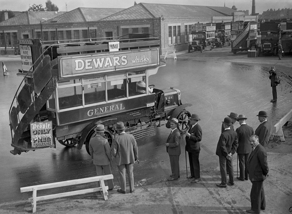 Double-Decker Bus「US Road Experts」:写真・画像(14)[壁紙.com]