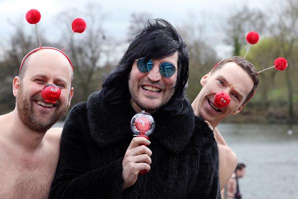 Noel Fielding「Benedict Cumberbatch Charity Swim For Comic Relief」:写真・画像(1)[壁紙.com]