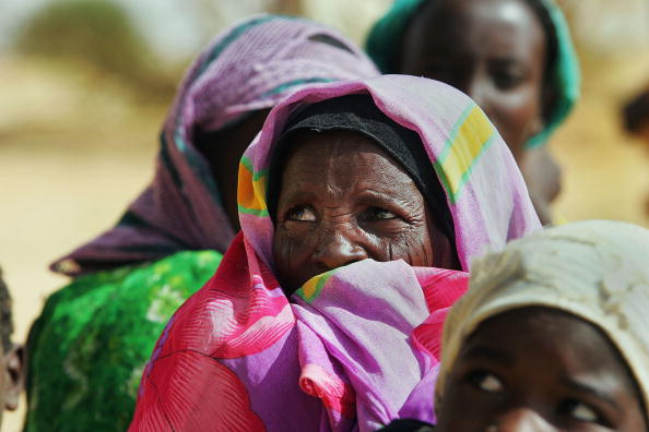 Waiting「Dafur Refugees Overwhelm Camps In Chad」:写真・画像(9)[壁紙.com]