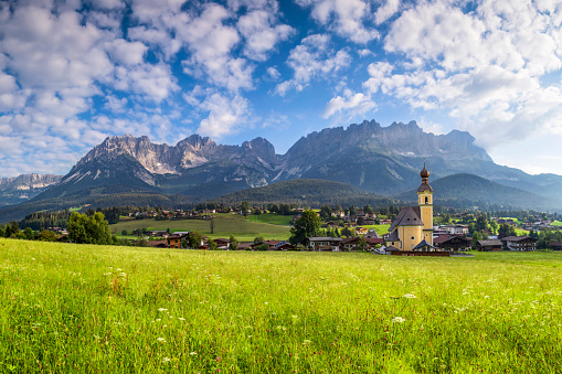 Ellmau「Church in Ellmau at Wilder Kaiser, Austria, Tirol  - Kaiser Mountains」:スマホ壁紙(1)
