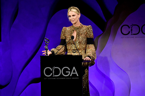 Three Quarter Length「22nd Costume Designers Guild Awards - Show」:写真・画像(13)[壁紙.com]