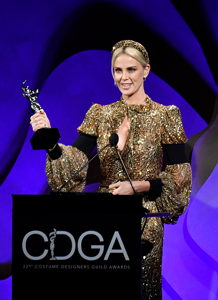 Three Quarter Length「22nd Costume Designers Guild Awards - Show」:写真・画像(12)[壁紙.com]