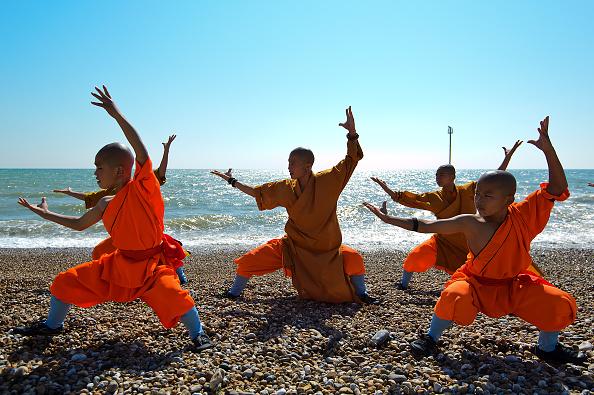 Buddhism「Shaolin Monks Rehearse Ahead Of Their New Show」:写真・画像(6)[壁紙.com]