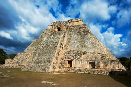 UNESCO「Mexico, Yucatan, Uxmal, Magicians Pyramid」:スマホ壁紙(11)