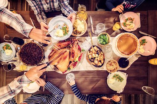 Celebration「家族を持つ伝統的な休日詰めトルコ ディナー」:スマホ壁紙(16)