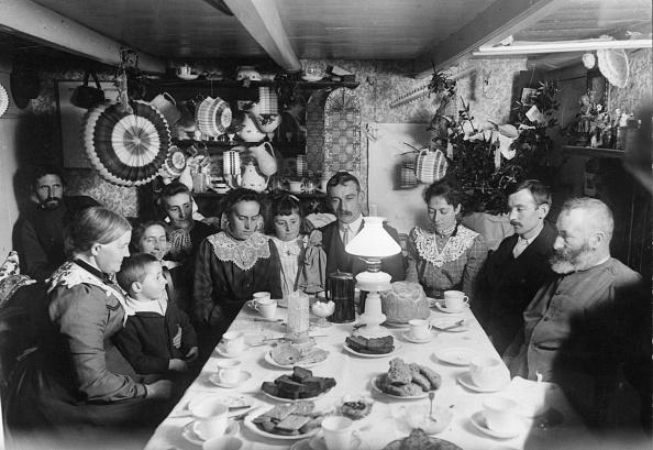 Dining Room「Family Tea」:写真・画像(8)[壁紙.com]