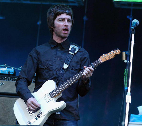 Desert Oasis「Oasis Play Marley Park - Dublin」:写真・画像(3)[壁紙.com]