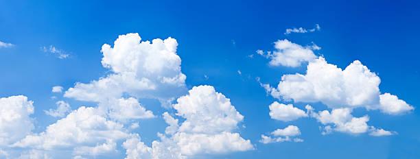 青い空、白い雲-パノラマ 32MPix XXXXL:スマホ壁紙(壁紙.com)