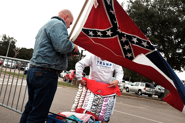 アメリカ合州国「Donald Trump Holds Rally In Biloxi, Mississippi」:写真・画像(4)[壁紙.com]