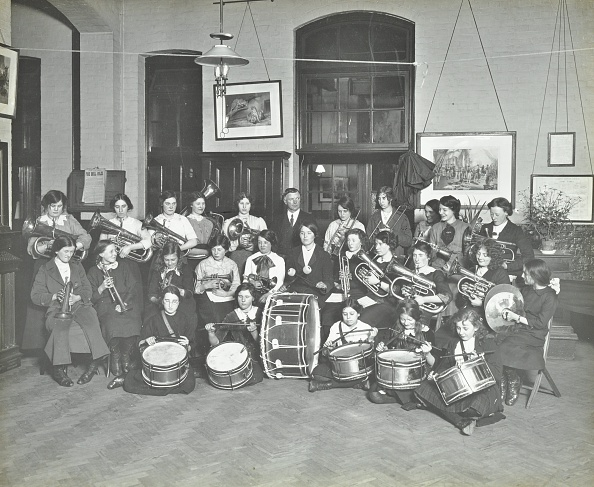 Greater London Council「Women'S Brass Band, Cosway Street Evening Institute For Women, London, 1914.  .」:写真・画像(17)[壁紙.com]
