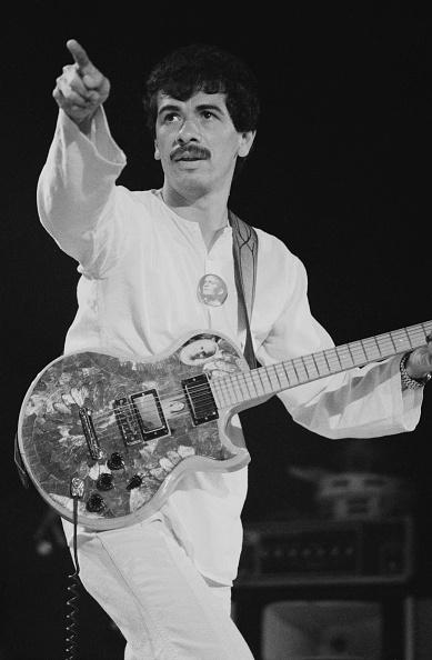 ミュージシャン カルロス・サンタナ「Santana On Clapton's US Tour」:写真・画像(4)[壁紙.com]