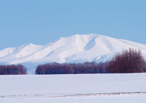 Snowcapped Mountain「Mt. Shari-dake and Snowy Field」:スマホ壁紙(9)