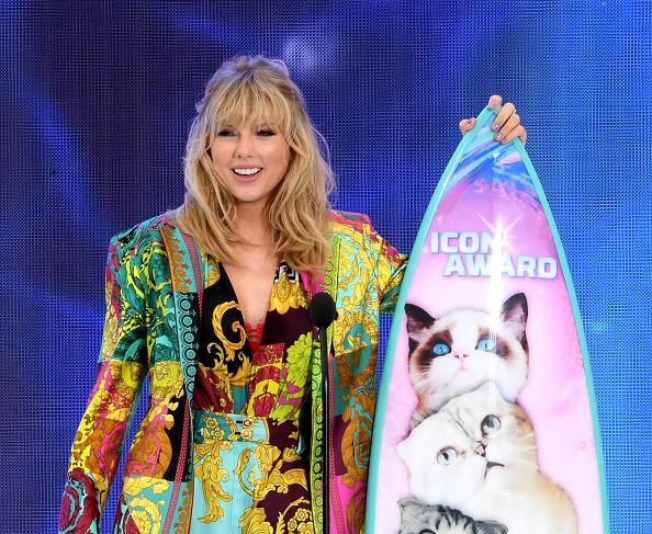 Teen Choice Awards「FOX's Teen Choice Awards 2019 - Show」:写真・画像(4)[壁紙.com]